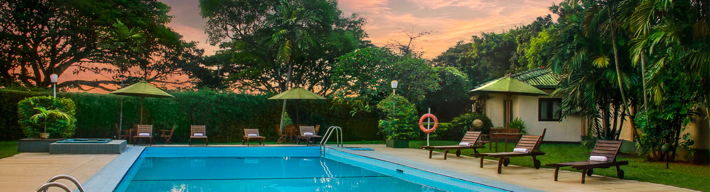 Hotel with swimming pool near colombo international airport for Swimming pool and jacuzzi near me
