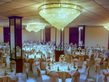 Banquet-Hall-Facilities-at-Ramada-Katunayake