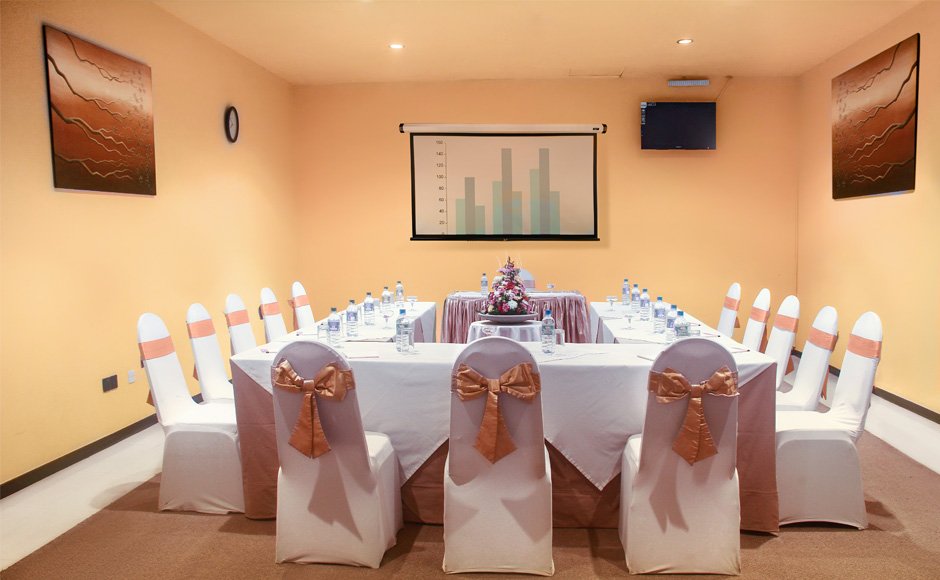 Board-Meeting-Rooms-at-Ramada-Katunayake
