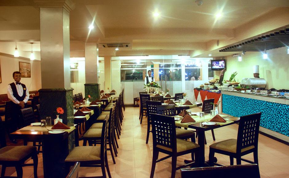 Coffee-Shop-interiors-at-Ramada-Katunayake-Seeduwa