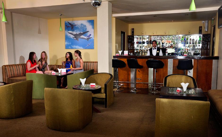 Pina-Colada-Lobby-Lounge-Bar-at-Ramada-Katunayake-Seeduwa