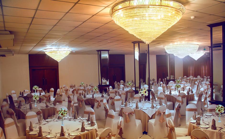 Weddings,-Banquet-Events-at-Seeduwa-ramada-Katunayake